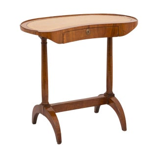 19th Century French Directoire Walnut Kidney Shaped Table For Sale