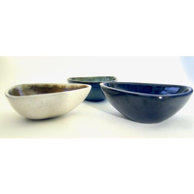 Mid Century Eugene Deutch Chicago Modernist Six Ceramic Bowls For Sale - Image 4 of 10