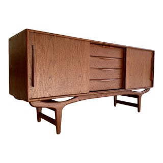 Sculpted Mid Century Modern Styled Danish Credenza / Media Stand / Sideboard For Sale