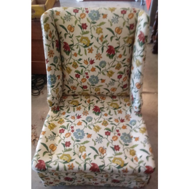 20th Century Shabby Chic Floral Print Accent Chair For Sale - Image 4 of 7