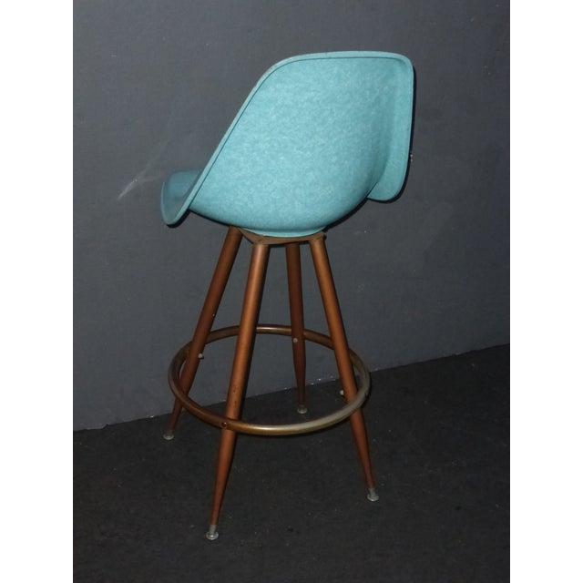 Mid-Century Turquoise Fiberglass Peg Leg Bar Stool For Sale - Image 5 of 7
