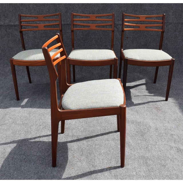 Vintage Johannes Andersen for Vamo Mobelfabrik Danish Modern Teak Model 101 Dining Chairs - Set of 4 For Sale In San Diego - Image 6 of 7