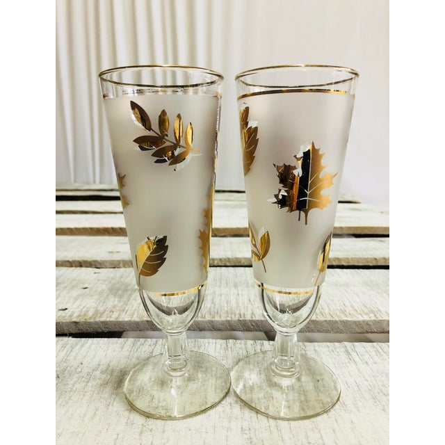 Mid-Century Modern Vintage Frosted Gold Leaf Pilsner Glasses - A Pair For Sale - Image 3 of 7