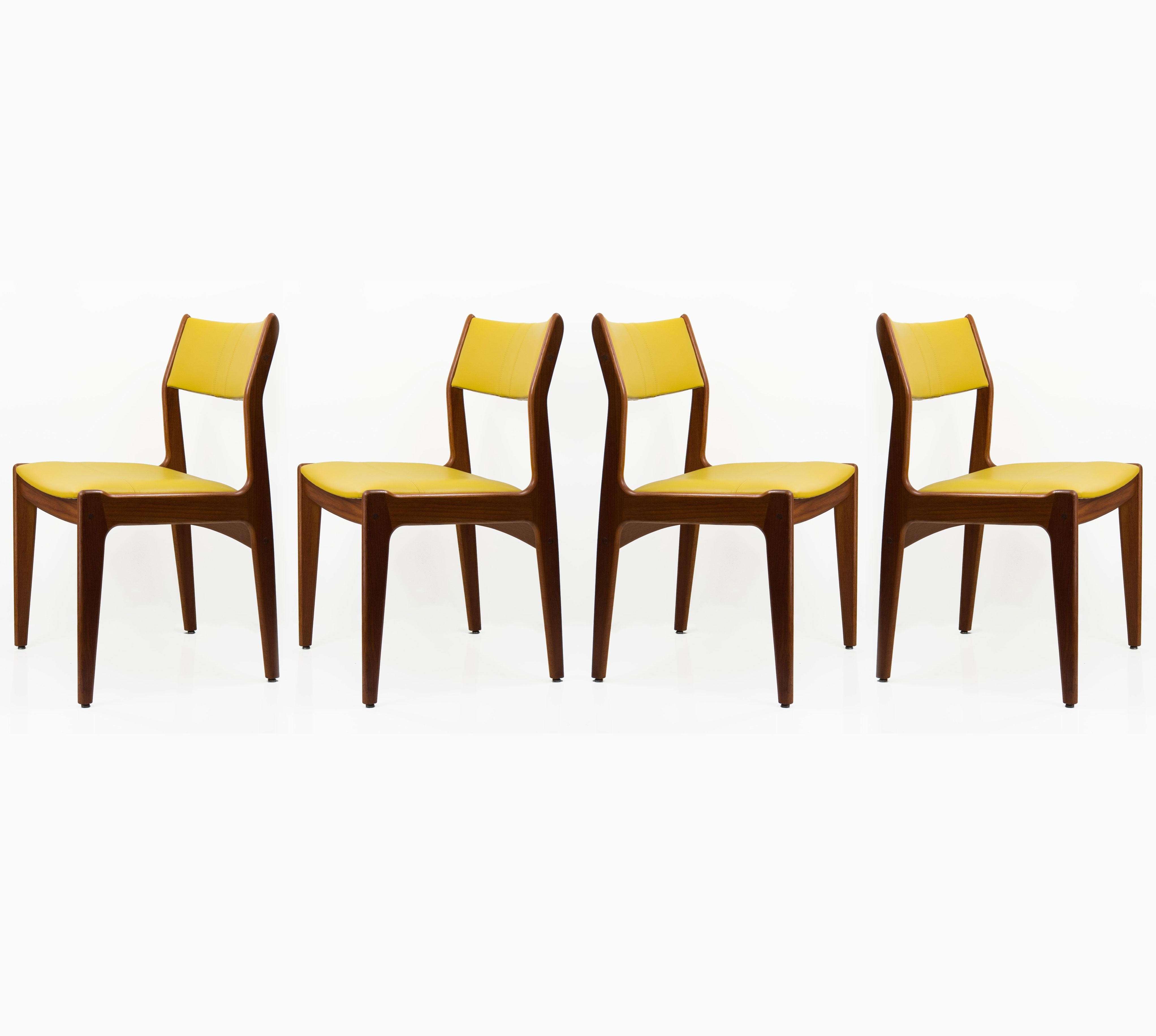 Charmant Mid 20th Century Mid Century Danish Style Leather U0026 Teak Chairs  Set Of 4