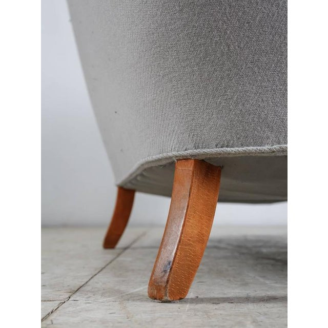 Corner Sofa with Light Grey Wool Upholstery, Denmark, 1940s For Sale - Image 9 of 9