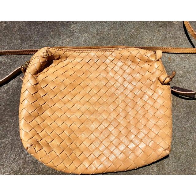 Leather Bottega Veneta Intrecciato Tan Cross Body Bag For Sale - Image 7 of 10