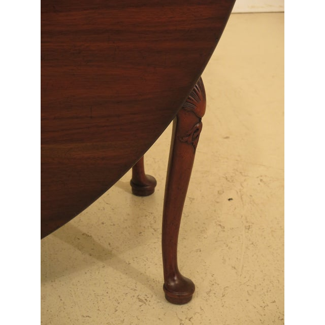 Queen Anne 1960s Queen Anne Kittinger Colonial Williamsburg Mahogany Drop Leaf Table For Sale - Image 3 of 12
