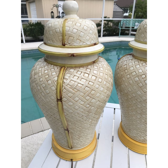 1970s Vintage Faux Bamboo Basket Weave Ginger Jar Lamps-Pair For Sale - Image 5 of 11