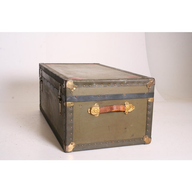 Vintage Industrial Green Military Foot Locker Trunk with Tray - Image 5 of 11