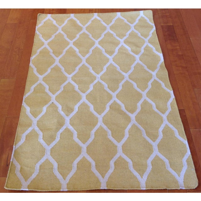 Yellow and Beige Trellis Design Kilim All wool. Hand-knotted in India.
