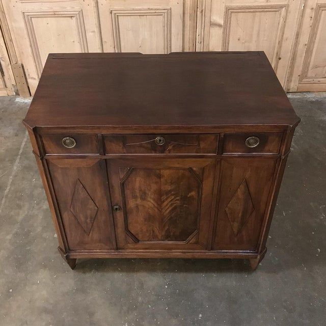 Late 18th Century 18th Century English Mahogany Pop Up Serving Buffet For Sale - Image 5 of 13