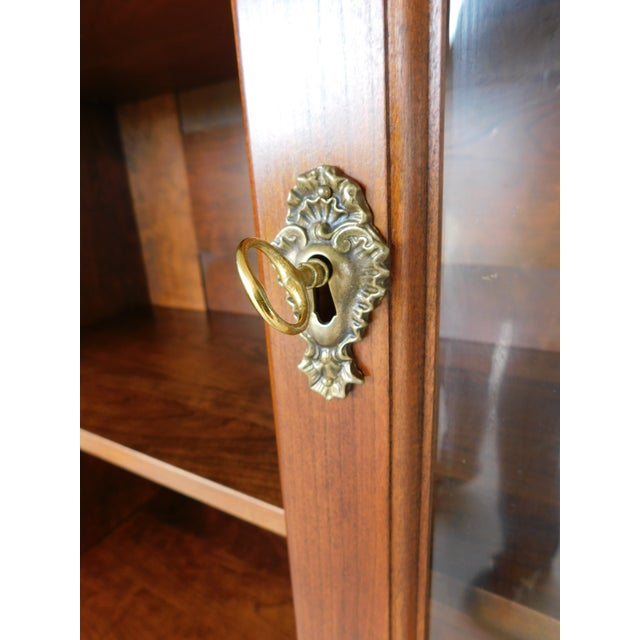 """Early 21st Century Stickley Colonial Williamsburg Cherry Chippendale Style 2 Door Bookcase """"A"""" For Sale - Image 5 of 13"""