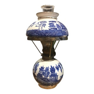 1930s Blue and White Chinoiserie Willow Kerosine Lamp For Sale