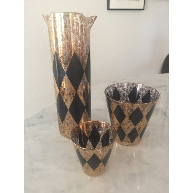 Mid-Century Modern Black & Gold Diamond Cocktail Glasses & Pitcher- Set of 16 For Sale - Image 4 of 4