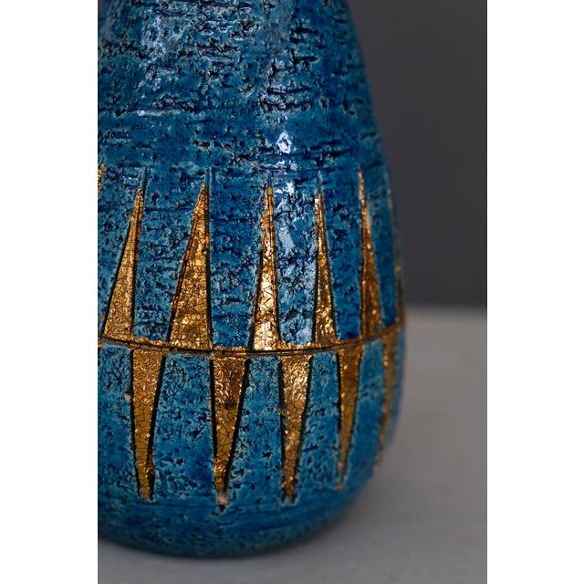 Mid-Century Modern Vintage Blue & Golden Ceramic Bottle by Aldo Londi for Bitossi, 1960 For Sale - Image 3 of 7