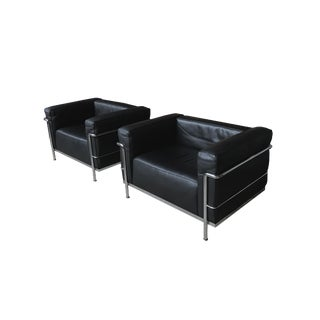 Le Corbusier Black Leather Club Chairs by Cassina - a Pair For Sale