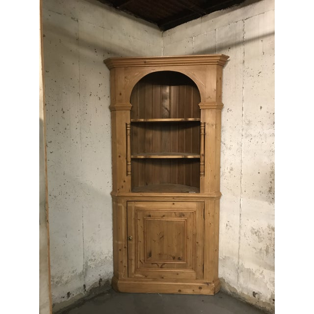20th Century Country Pine Corner Cupboard For Sale In New York - Image 6 of 6