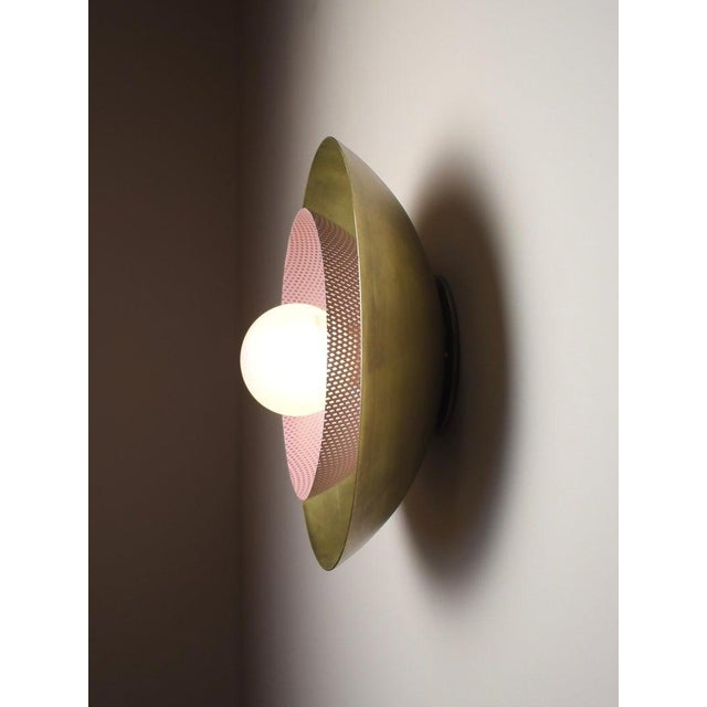 Mid-Century Modern Blueprint Lighting Solid Brass & Lilac Enamel Mesh Sconce For Sale - Image 3 of 7