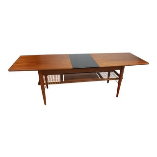 Mid-Century Modern Danish Teak Expandable Coffee Table For Sale