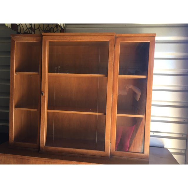 """Drexel """"Biscayne"""" Mid-Century Style Walnut 2-Piece China Cabinet For Sale - Image 9 of 13"""