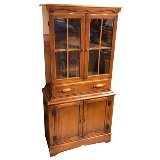 1960s Vintage Early American Style Glass Front Hutch For Sale