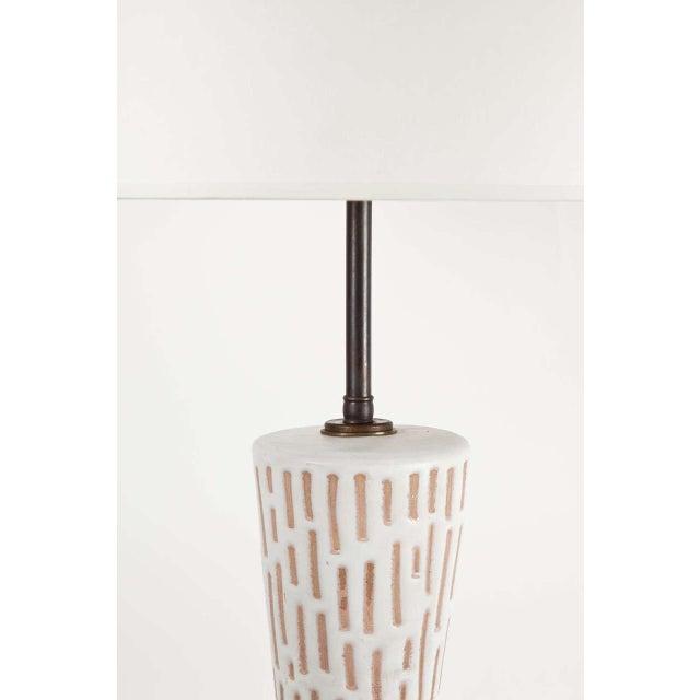 1960s Raymor Italian Ceramic Table Lamp For Sale - Image 5 of 8