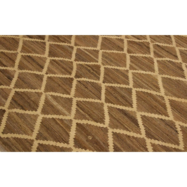 1990s Boho Chic Yestin Lt. Brown/Ivory Hand-Woven Kilim Wool Rug -5'3 X 8'0 For Sale - Image 5 of 8