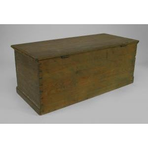 American Country (18/19th Cent) blue painted pine blanket chest/floor trunk For Sale In New York - Image 6 of 8