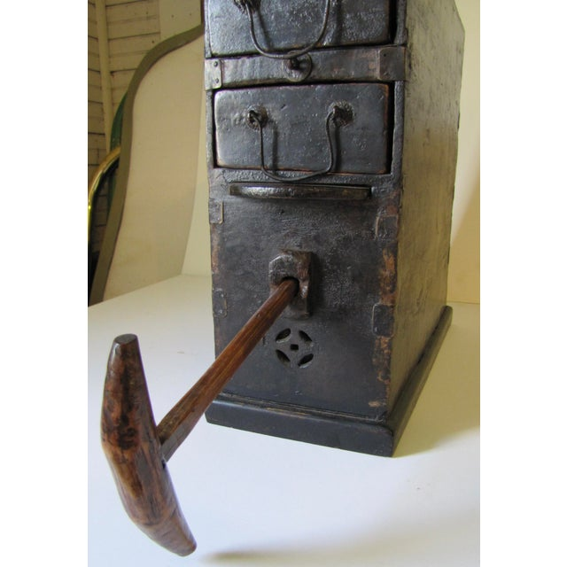 1910s Black Wooden Chinese Bellows Box For Sale In Boston - Image 6 of 9