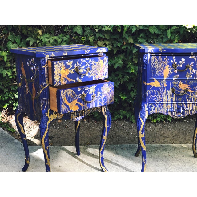 Metal 1930s Hand Painted Chinoiserie Nightstands with Birds - a Pair For Sale - Image 7 of 13