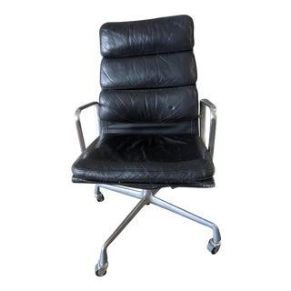 1980s Vintage Black Eames Herman Miller High Back Soft Pad Aluminum Chair For Sale