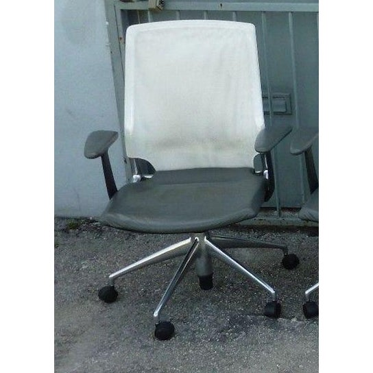 Vitra Albert Meda Mesh Back and Leather Seat Chair For Sale In Miami - Image 6 of 6