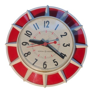Mid Century Modern Clock Starburst in Red and White For Sale
