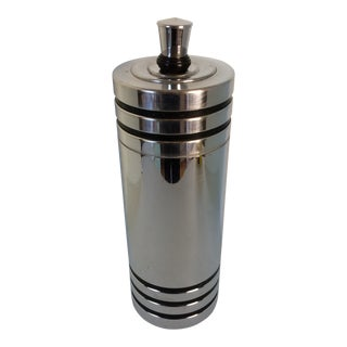 1930s Art Deco Style Chase Cocktail Shaker For Sale