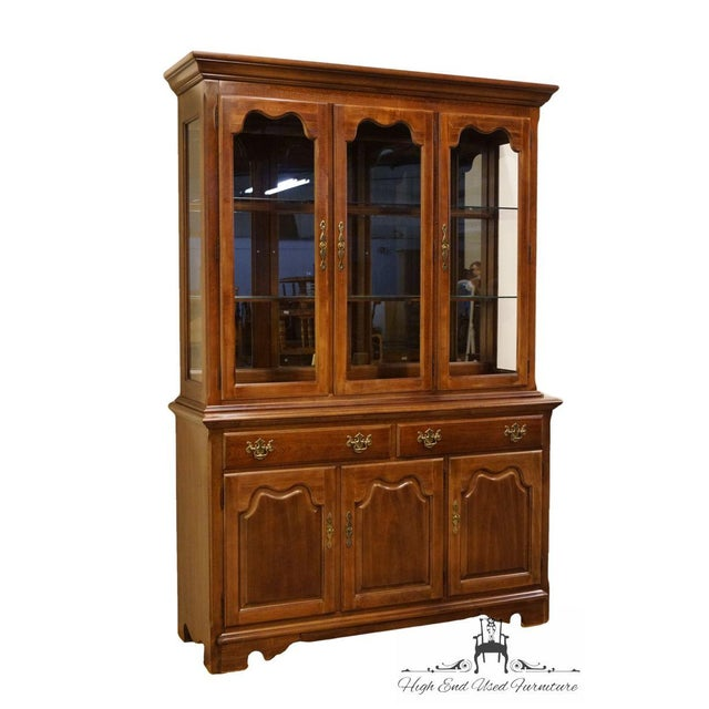 "Chippendale Thomasville Furniture Winston Court Collection 56"" China Cabinet For Sale - Image 3 of 13"