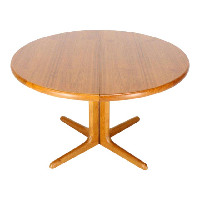 924a7e268dc8 Danish Round Mid-Century Modern Teak Dining Table with Two Leaves For Sale