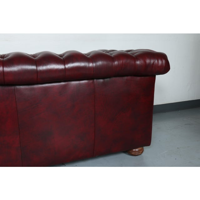 1970'S Burgundy Emerson Leather Chesterfield Sofa - Image 9 of 10