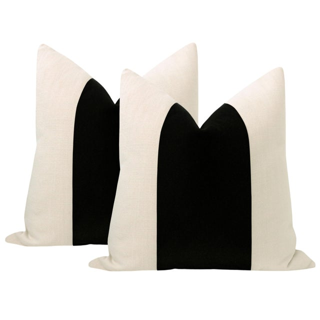 "2020s 22"" Caviar Mohair Velvet Panel & Linen Pillows - a Pair For Sale - Image 5 of 5"