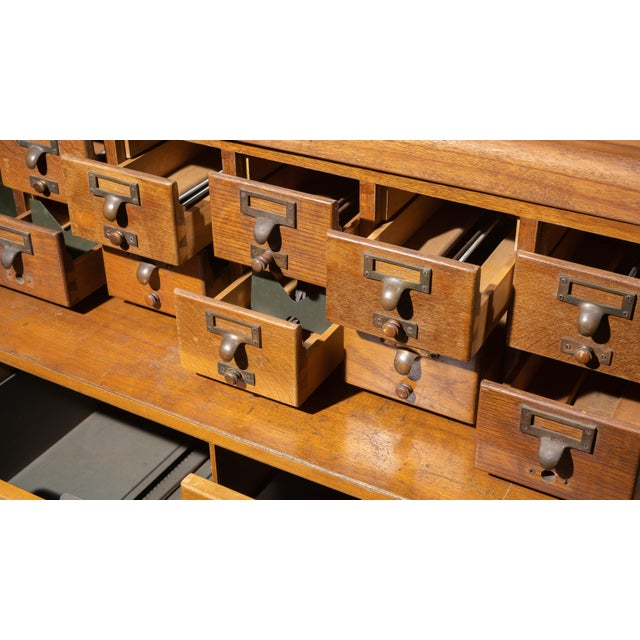 Industrial 1950s Mid Century Standing Card Catalogue and File Cabinet For Sale - Image 3 of 8