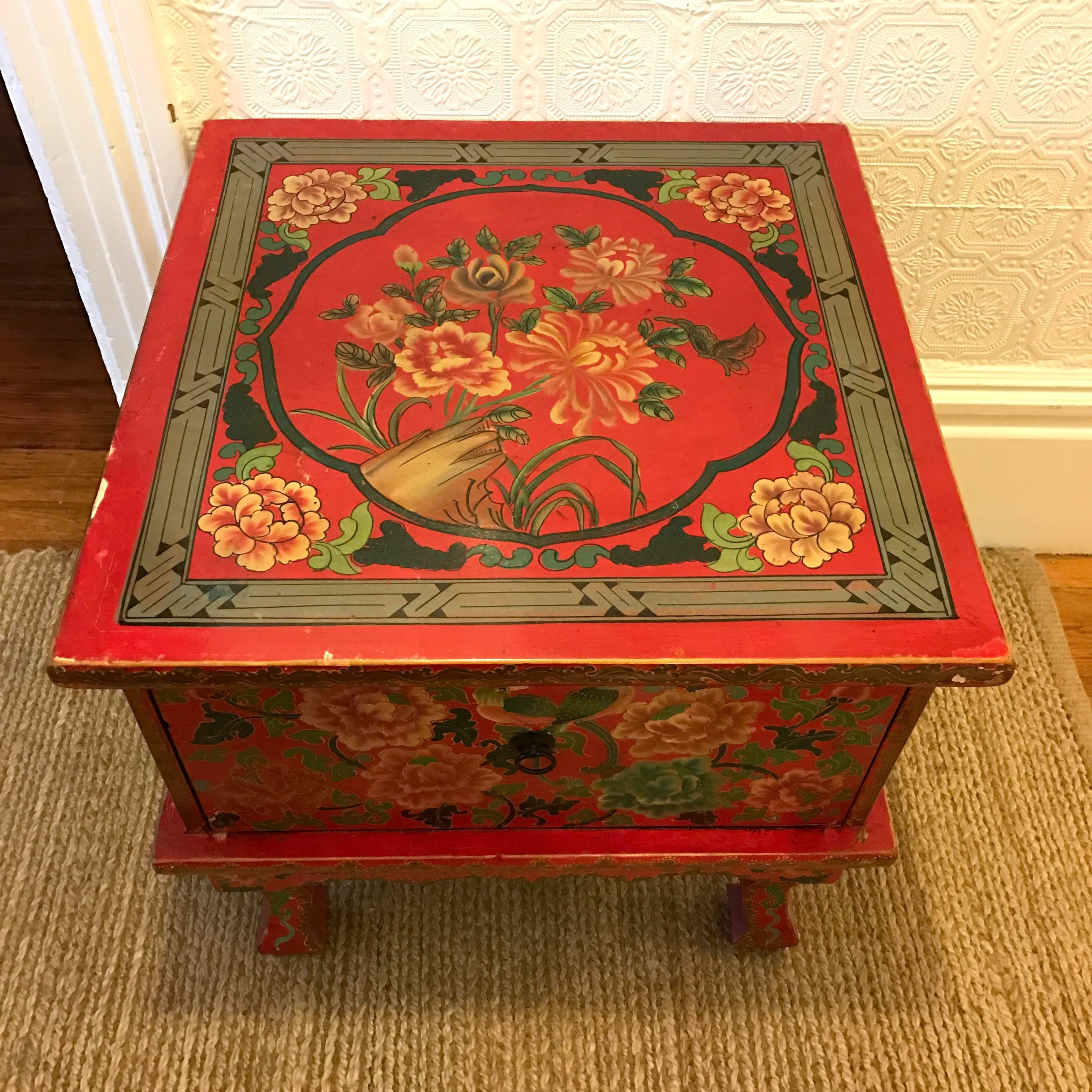 Red Lacquer Chinese Side Table   Image 3 Of 6