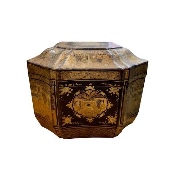 Early 20th Century Chinoiserie Black and Gilt Lacquered Box For Sale In Dallas - Image 6 of 9