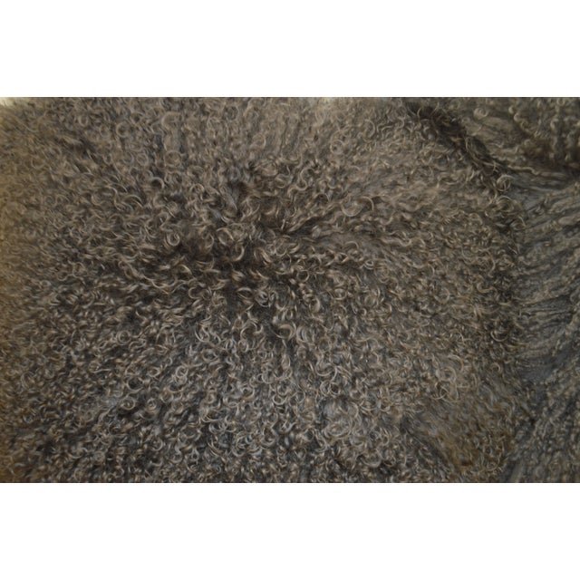 """24"""" X 24"""" Grey Curly Lamb's Wool Skin Decorative Pillows - a Pair For Sale In Buffalo - Image 6 of 9"""