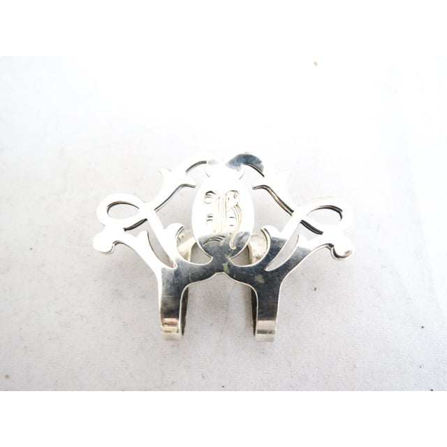 Traditional 1940's Lunt Sterling Napkin Clip With Monogram For Sale - Image 3 of 7