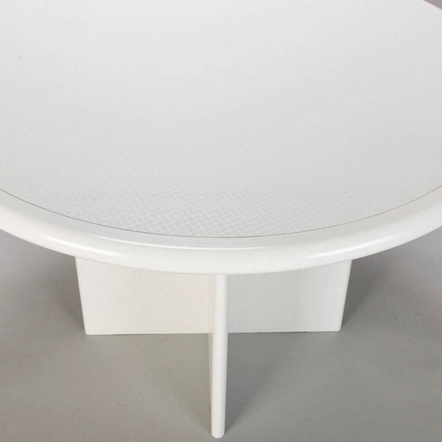 Mid Century White Lacquered Round Table - Image 7 of 8
