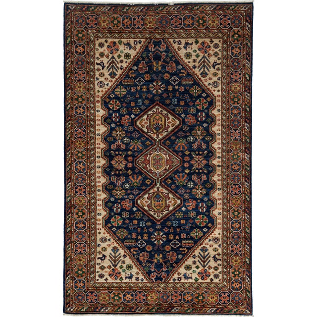 """Traditional Hand-Knotted Rug - 4'10"""" x 8'1"""" For Sale"""