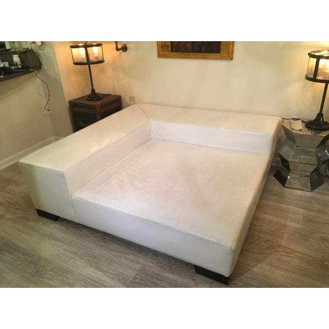 Modern White Leather Minimal Square Sofa - Image 5 of 10