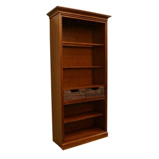 20th Century Traditional Stanley Furniture Mahogany Illuminated Bookcase For Sale