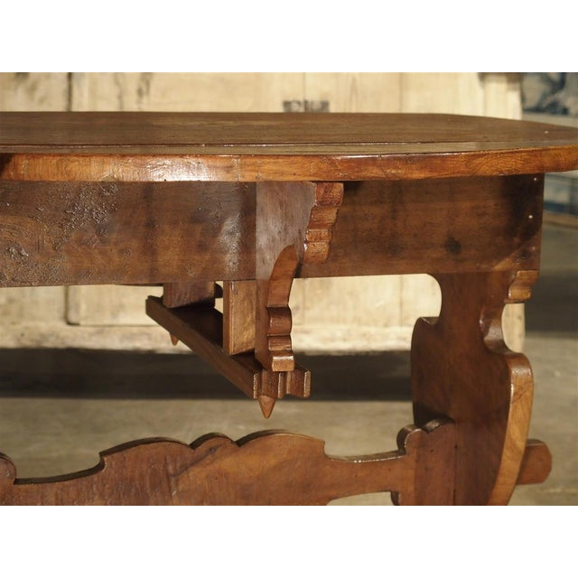 Early 20th Century Pair of Antique Walnut Drop Leaf Side Tables From Italy, Circa 1900 For Sale - Image 5 of 12