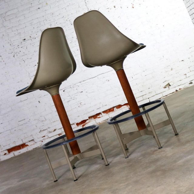 Fiberglass Pair of Burke Swivel Bar Stools Mid Century Modern Fiberglass Shell and Upholstered Seat Pads For Sale - Image 7 of 13