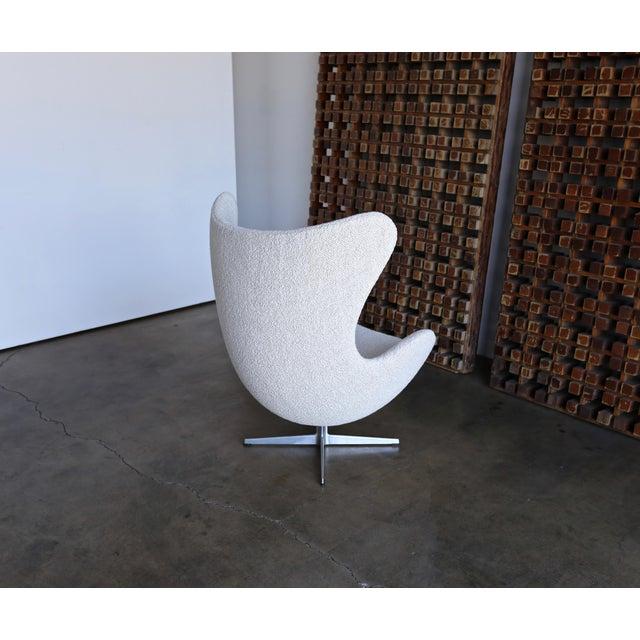 De Egg Chair.1960s Vintage Arne Jacobsen Egg Chair And Ottoman For Fritz Hansen